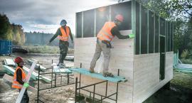 Budowa Leśnej Szkoły zbliża się ku końcowi