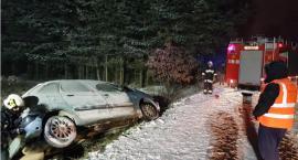 Pierwsze opady śniegu i… Zima wygrała z kierowcami