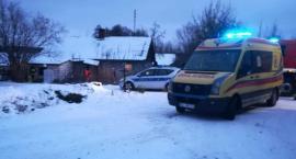 Policjant przybył w porę. Dwie osoby zostały uratowane przed zaczadzeniem