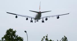 Polskie lotniska są coraz bardziej zatłoczone. W Białymstoku jest pusty pasek startowy