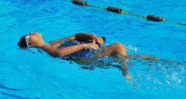 Pływanie dobrze wpływa na kondycję