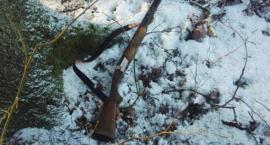Kłusownicy w trakcie ucieczki zgubili broń