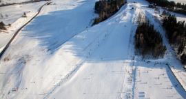 Zamiast w góry na Mazury. Działają tam cztery trasy narciarskie