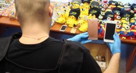 W rękach celników są już podrobione zabawki, odzież i perfumy
