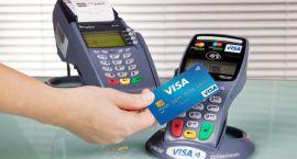 Co czwarty Polak płaci w sklepie kartą zbliżeniową