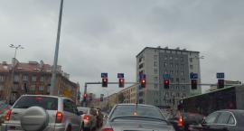 Im więcej ulic, tym więcej samochodów i tym więcej smogu