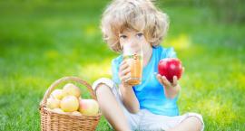 Soki trzeba wprowadzić do dziecięcej diety