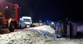 Przemytnicy staranowali pojazd straży granicznej i funkcjonariusza