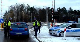 Drogówka sprawdzała jak kierowcy zachowują się na przejeździe kolejowym