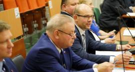 W porządku obrad widnieje punkt dotyczący rezygnacji Zarządu Województwa Podlaskiego