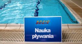 Naukę pływania warto rozpocząć zanim zabraknie miejsc lub zrobi się tłoczno