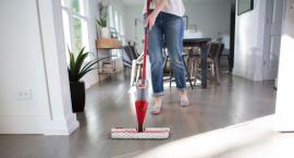 Do sprzątania małego mieszkania mop to podstawa