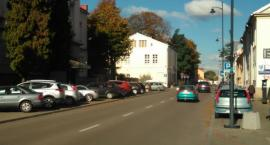 Na Warszawskiej osoby niepełnosprawne nie mają jak zaparkować
