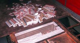 W podłodze naczepy ukrytych było ponad 30 tys. nielegalnych paczek papierosów