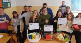 Licealiści z Łap zachęcają do korzystania z toreb – bumerangów