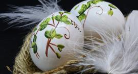 Chrystus Zmartwychwstał. Serdeczne życzenia Wielkanocne