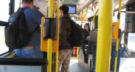 Obywatel Gie Żet: Co zniechęca do korzystania z komunikacji miejskiej: jak baba stoi na wprost wyjścia