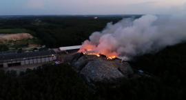 Pożar w Studziankach ugaszono dopiero wczoraj przed południem. Co dalej z sortownią odpadów?