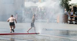 Y…juhu! Działają już kurtyny wodne na Rynku Kościuszki