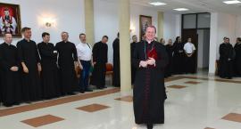 Nowi wikariusze otrzymali nominacje z rąk biskupa Wojdy