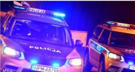 Policjanci zatrzymali kierowcę z haszyszem, który spał w aucie