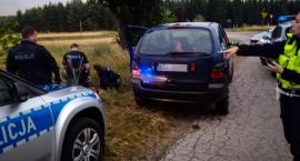 Nie miał uprawnień do kierowania pojazdami i jeszcze uciekał przed policją