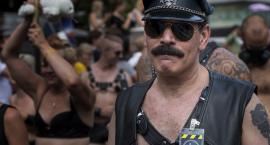 Nie ma potrzeby, aby geje i lesbijki informowali o swoich preferencjach seksualnych przypadkowe osoby