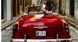 """W kinie plenerowym """"W rytmie Kuby"""""""