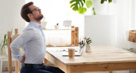 Ból kręgosłupa dokucza pracującym dużo przy komputerze