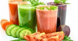 Dieta małych i dużych z koktajlem w kolorze zielonym