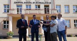Zespół Szkół w Michałowie już oficjalnie należy do Michałowa
