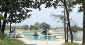Basen wpisany w otoczenie. Największy tego typu basen w Polsce