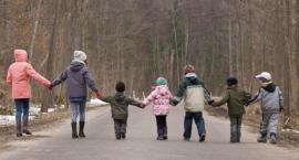 Poza swoją gminą uczy się coraz więcej dzieci