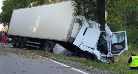 W Proniewiczach zderzył się bus z ciężarówką. Obydwaj kierowcy nie żyją