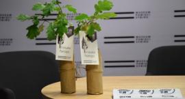 Muzeum Pamięci Sybiru rozda drzewka pamięci