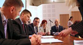 Zarząd podpisał umowy z lokalnymi grupami działania i lokalną grupą rybacką