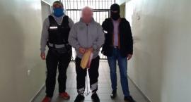 Oszuści wyłudzali pieniądze od seniorów. Osiem osób trafiło w ręce Policji