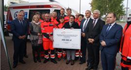 Trzy nowoczesne ambulanse trafią do Moniek i Bociek
