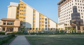 Przy budynkach ZUS-ów mają być budowane stacje ładowania pojazdów