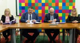 Dofinansowanie z funduszy europejskich zarząd województwa przekazał dwóm białostockim szkołom