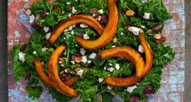 Zdrowa sałatka z jesiennych produktów