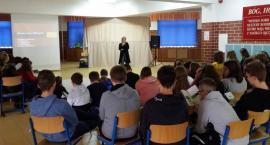 Do szkół powiatu białostockiego docierają pracownicy z urzędu pracy