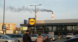 Ciemny dym nad Trasą Generalską i osiedlem Białostoczek