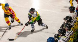 Jutro V turniej hokeja