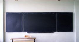 Chili w Wanilii: Szkoła absurdów