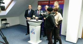 PiS chce maszerować w obronie mediów
