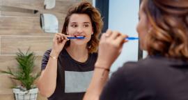 Problemy z nieprzyjemny zapachem z ust ma ponad połowa Polaków