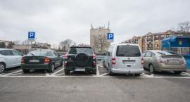 Mieszkańcom podwyżki na BKM, a sobie dwa nowiuśkie samochody