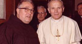 Kanonizacja Jana Pawła II okazją na biznes