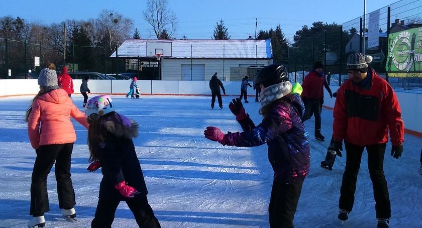 sporty-zimowe, SZTUCZNE LODOWISKO IZABELINIE - zdjęcie, fotografia